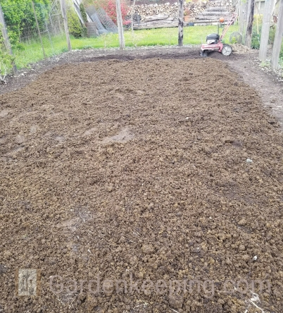 The manure is spread and ready to be tilled.